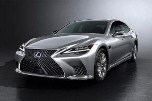 Renting Lexus LS